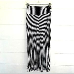 Merona White Black Striped Maxi Skirt Rayon Medium